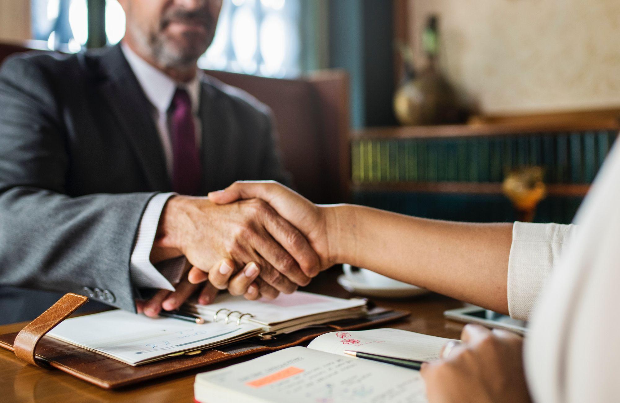 """""""Les avocats doivent sortir de leur bureau pour aller à la rencontre de leur clientèle."""" Interview de Sophie Clanchet, présidente d'Eurojuris."""