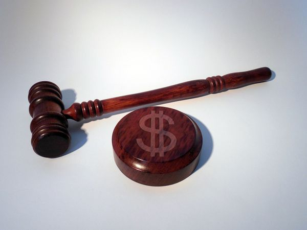 """""""Le juge a conscience des impératifs sociaux-économiques"""". Terry Olson, président de la Cour administrative d'appel de Versailles"""